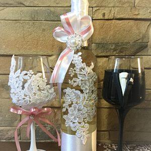 Csipke díszítéses esküvői bor szett