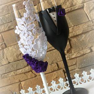 Lila rózsa esküvői pezsgős pohár pár