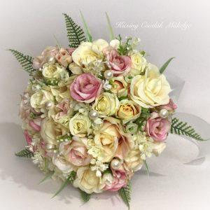 Rózsaszín - Krém rózsa csokor